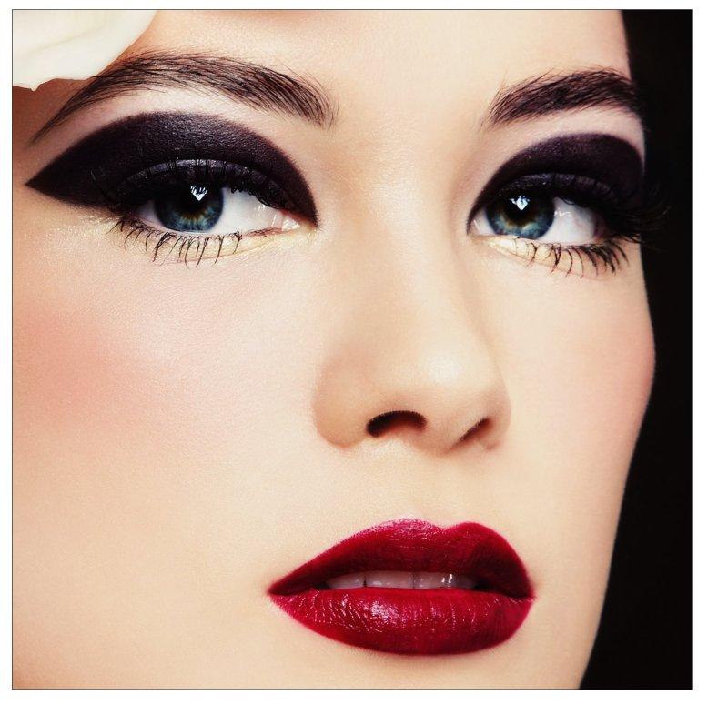 Beautytrend: Dicke Brauen