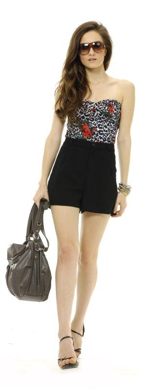 Elegant und trendig für die unterschiedlichsten Anlässe gekleidet